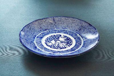 古伊万里焼 型紙摺り染付微塵唐草文なます皿